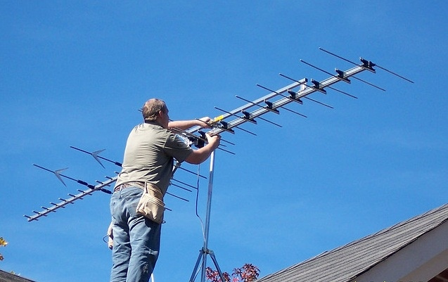 TV Antenna on the Roof